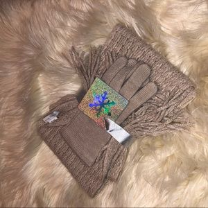 New York & Co scarf and glove gift set